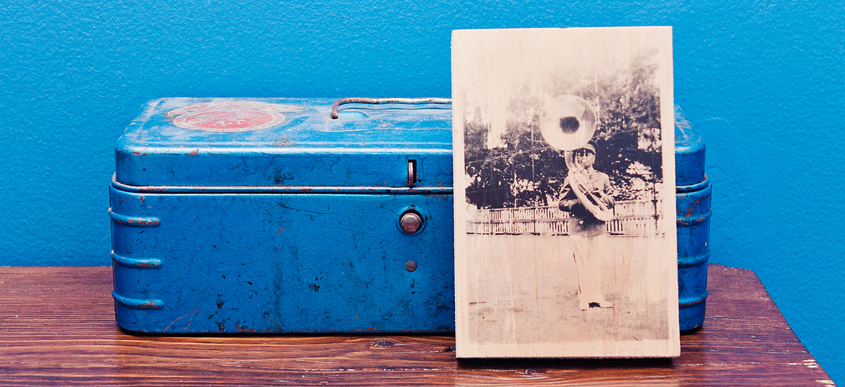 A Father's Day DIY: Photo Transfers on Wood